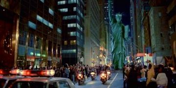 Statue of Liberty Walking in Ghostbusters II