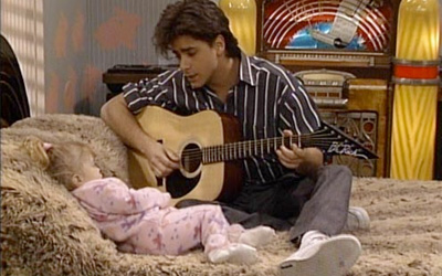 Uncle Jesse singing to Michelle